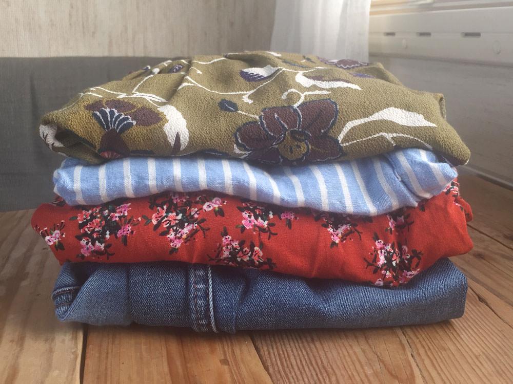 Schweden Second Hand: Kleidungsstücke von einem Second Hand Geschäft