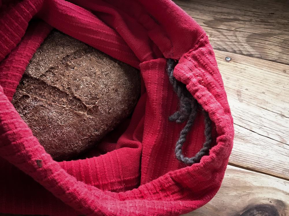 Müll vermeiden in Griechenland: unverpacktes Brot vom Bäcker