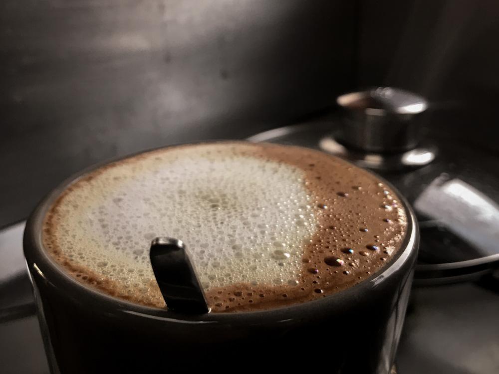 Pflanzenmilch für den Kaffee