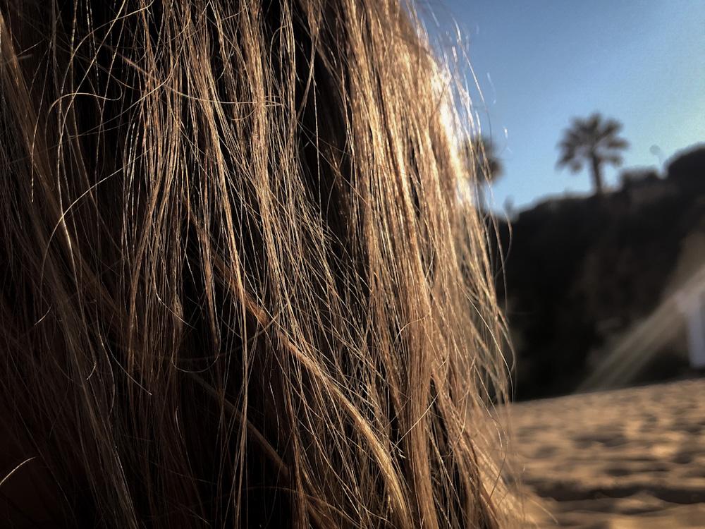 Haare am Strand